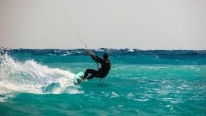 kite-surfing-1960536_640